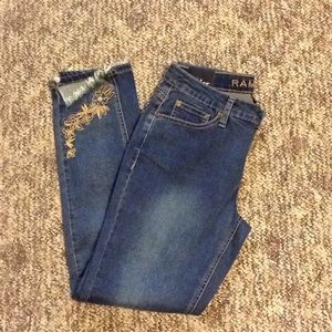 NWT Rampage Embroidered Skinny Jean